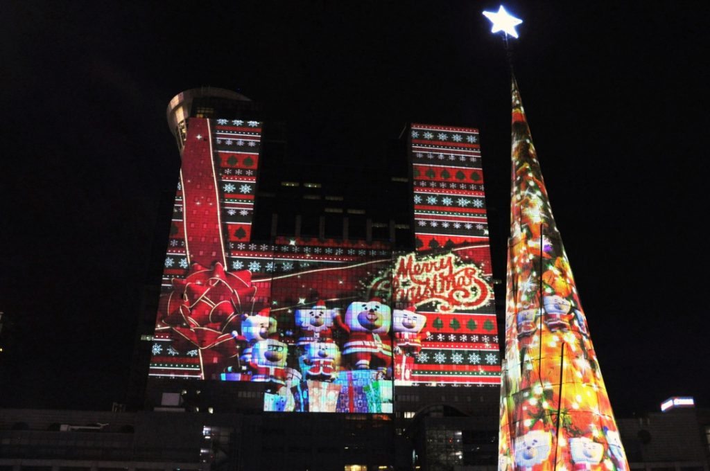 christmasland-projection-mapping_christie-digital