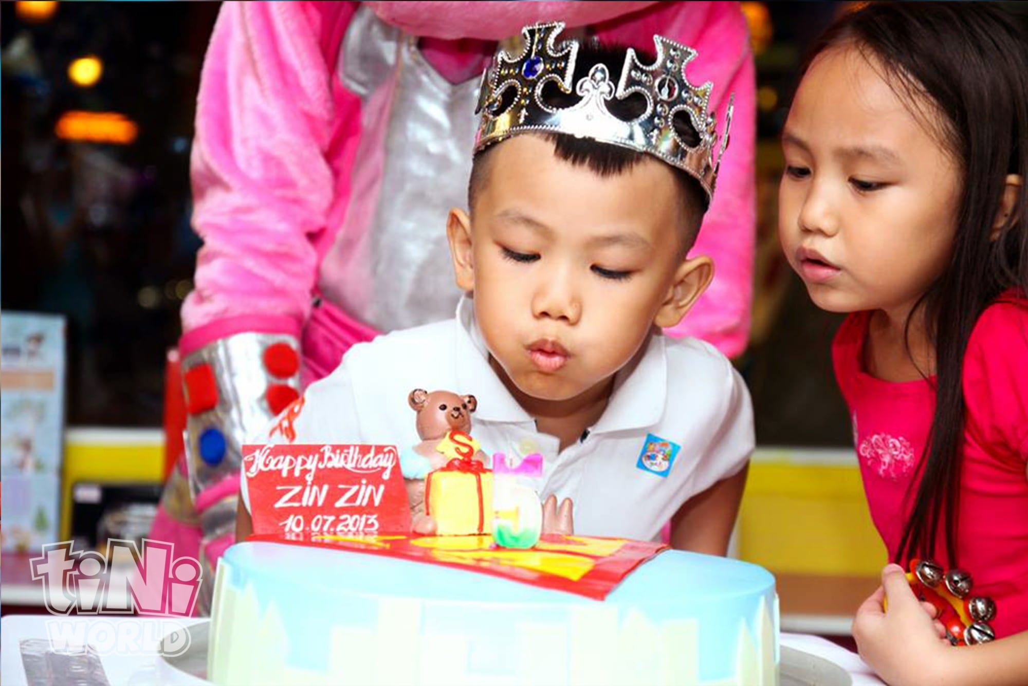 boy girl birthday cake tiNiWorld Vietnam