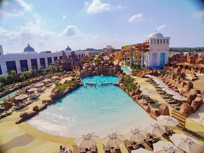 Polin and WOW Bring Wave Ball to Legends of Aqua Waterpark