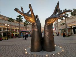 bollywood parks hands at dubai parks and resorts blooloop