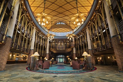 Disney Explorers Lodge lobby