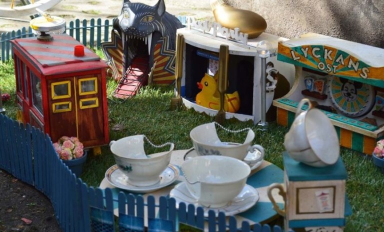 anonymouse Swedish theme park for mice is the cat's whiksers