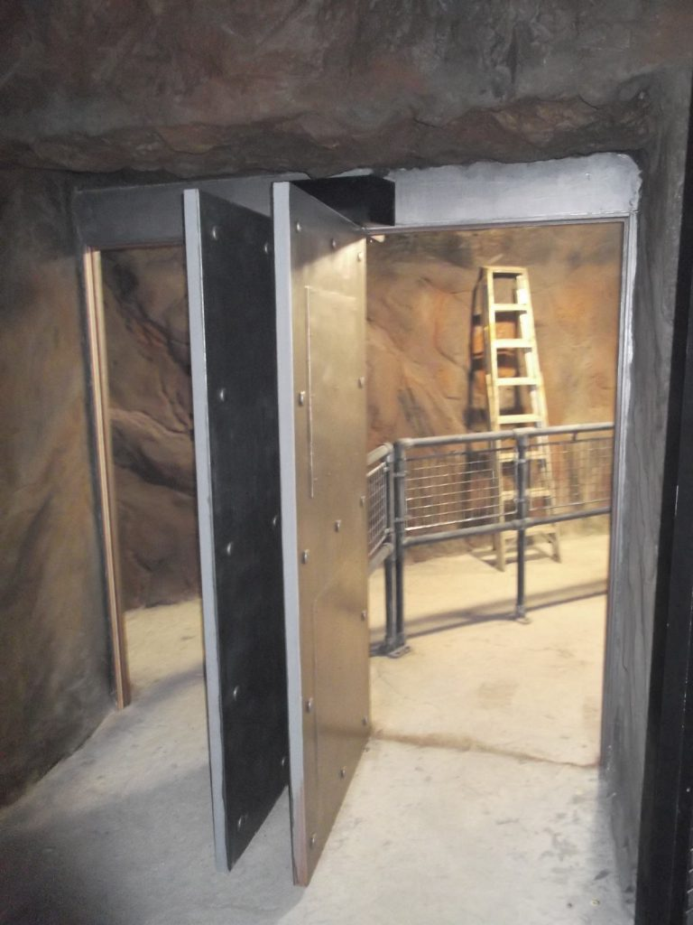 Entry doors to the London Dungeon using the RG11EL Shotgun gate system by Garmendale