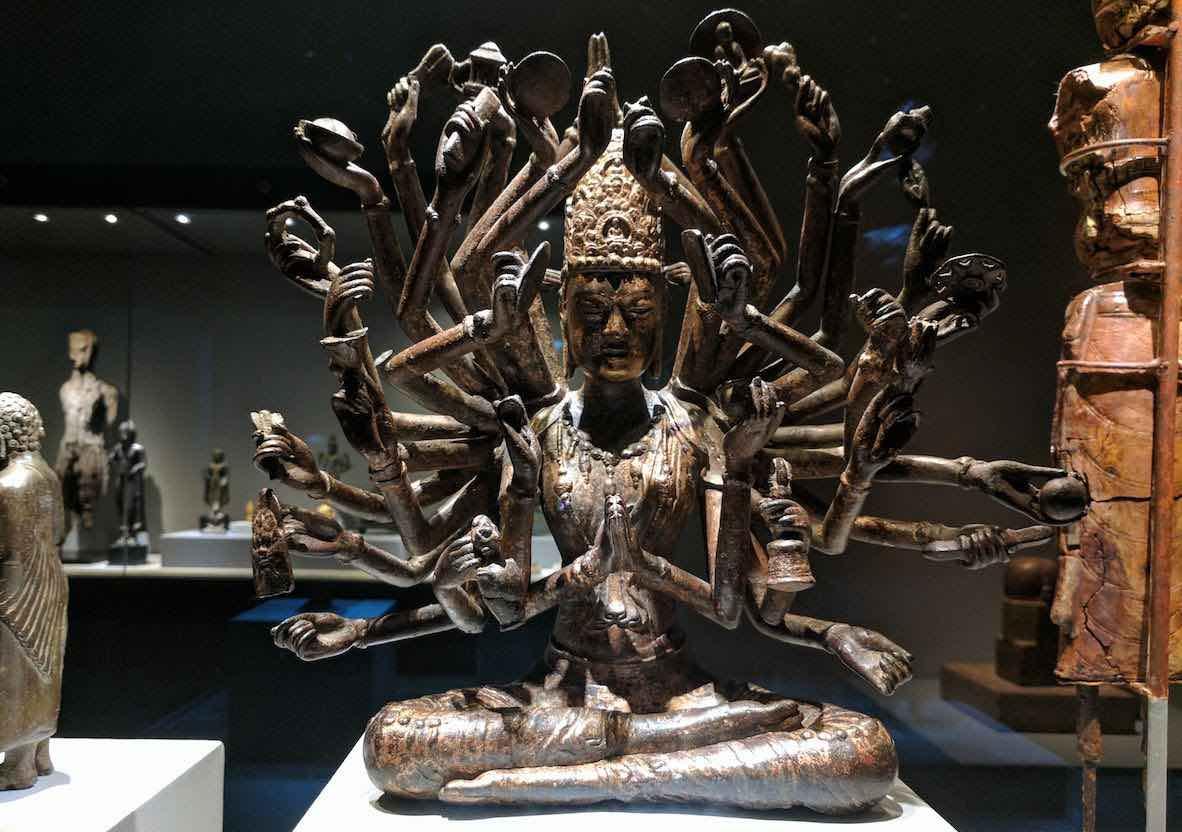 34 armed avalokiteshvara at Asian civilisations museum dali kingdom china 10th c