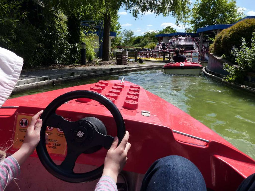 Electric boats for attractions and theme parks by Garmendale
