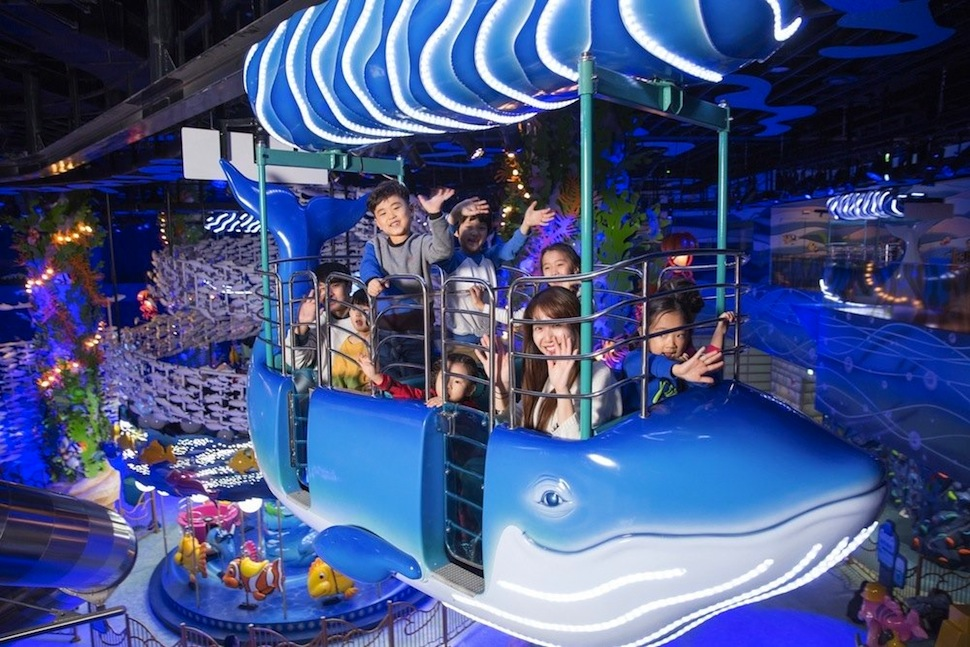Zamperla Monorial at Lotte World, number 15 on our list of the world's top theme parks of the decade