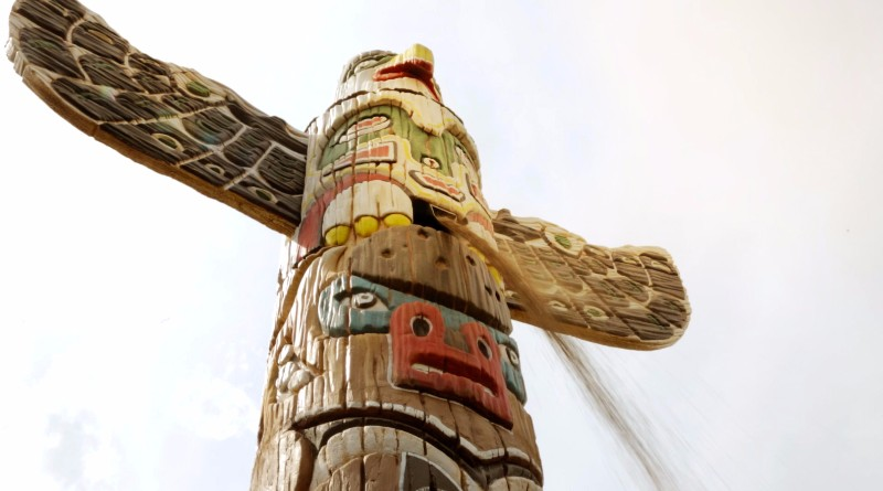 an interactive disguised as a totem pole at serengeti park
