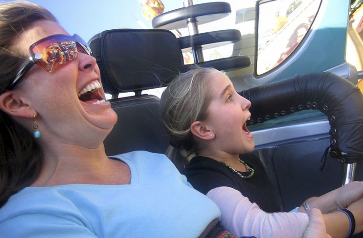 mother and child rollercoaster theme park omnico vgs ticketing solutions