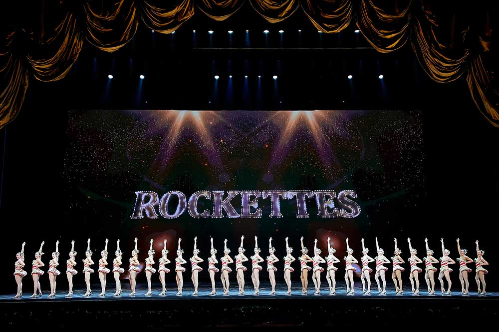 rockettes madison square garden radio city music hall obscura digital New York at Christmas spectacular