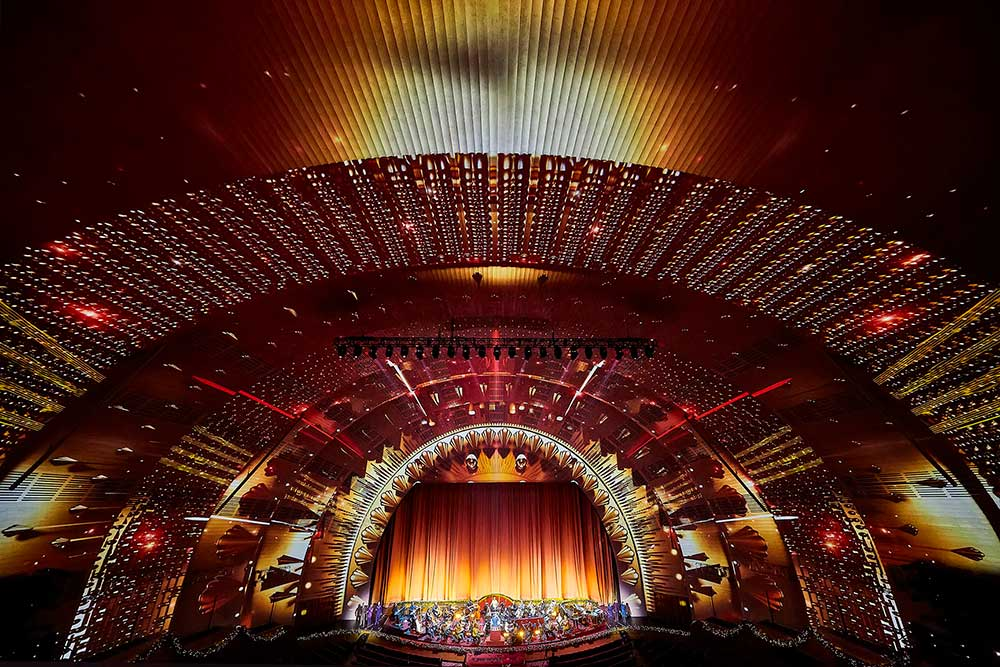 madison square garden radio city music hall obscura digital New York at Christmas spectacular