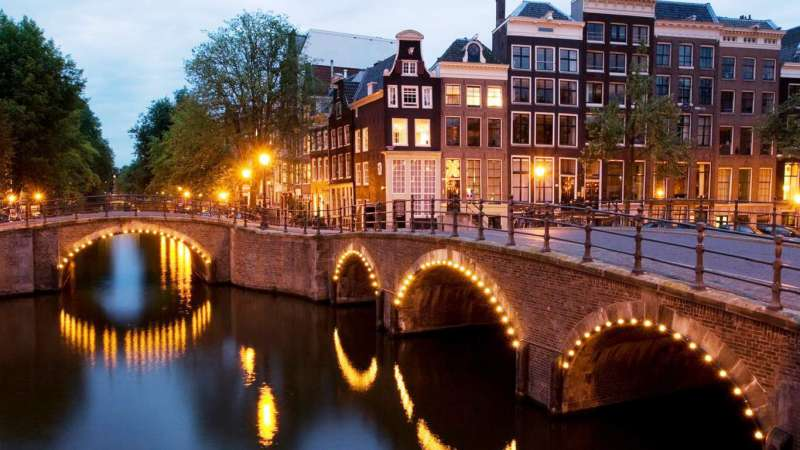 canalside view of amsterdam the locations for iaapa eas 2018