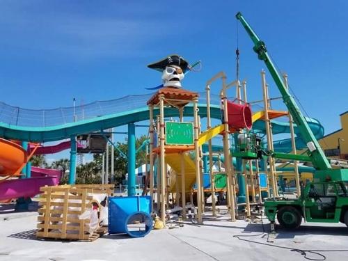 Shipwreck Island Waterpark Pirate Play slide complex