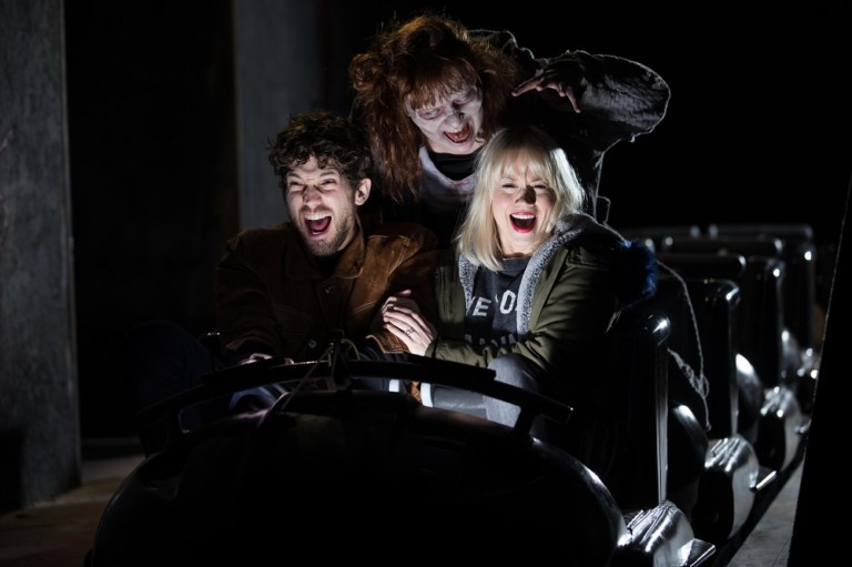 The Walking Dead - The Ride at Thorpe Park Resort charges mobile phones with screams