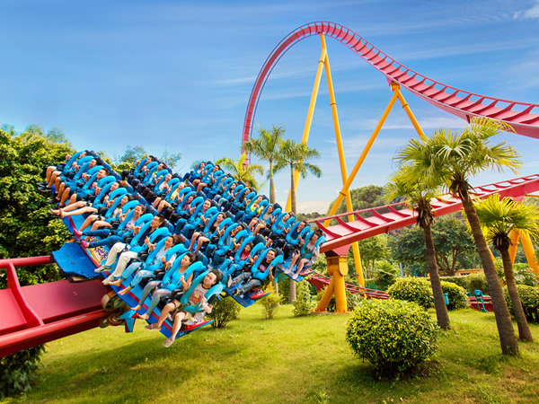 Chimelong paradise. China tightens control over theme park developments. The National Development and Reform Commission (NDRC)
