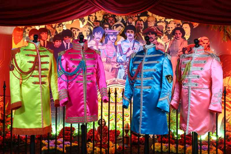 the beatles sgt pepper costumes