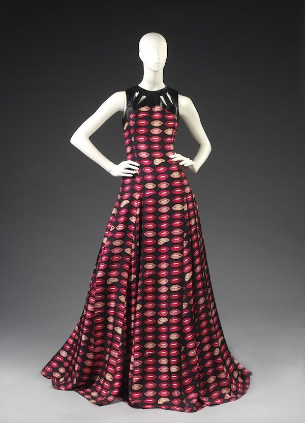 04. Dress designed by Holly Fulton_V&A Dundee