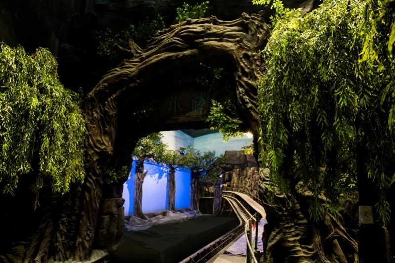 wanda qingdao ride immersive screens weeping willows