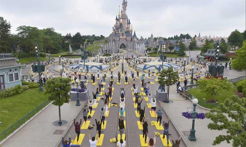 Disneyland Paris yoga day
