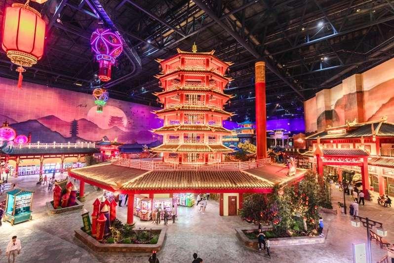 wanda nanjing theme park pagoda