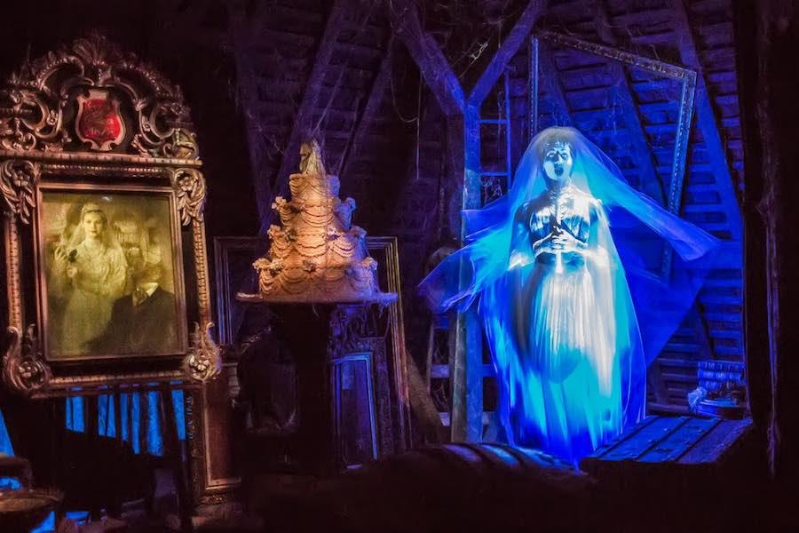 Haunted mansion disney ride.