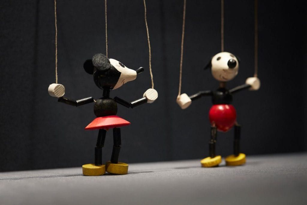 Minnie and Mickey string puppet figures