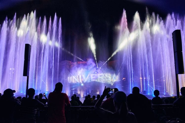 Universal Globe displayed on the water fountains at Universal Orlandos Cinematic Celebration