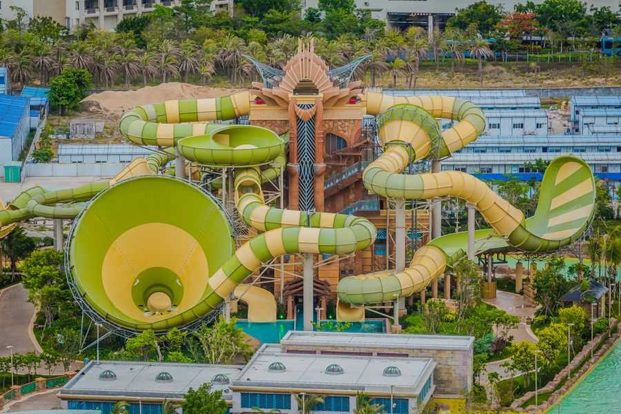 Atlantis-Sanya-Aquaventure themed slide tower