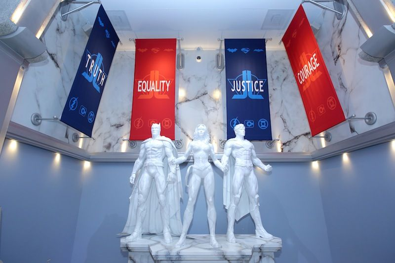 Justice-League-DC-Super-Hero-Statues_Hall-of-Justice