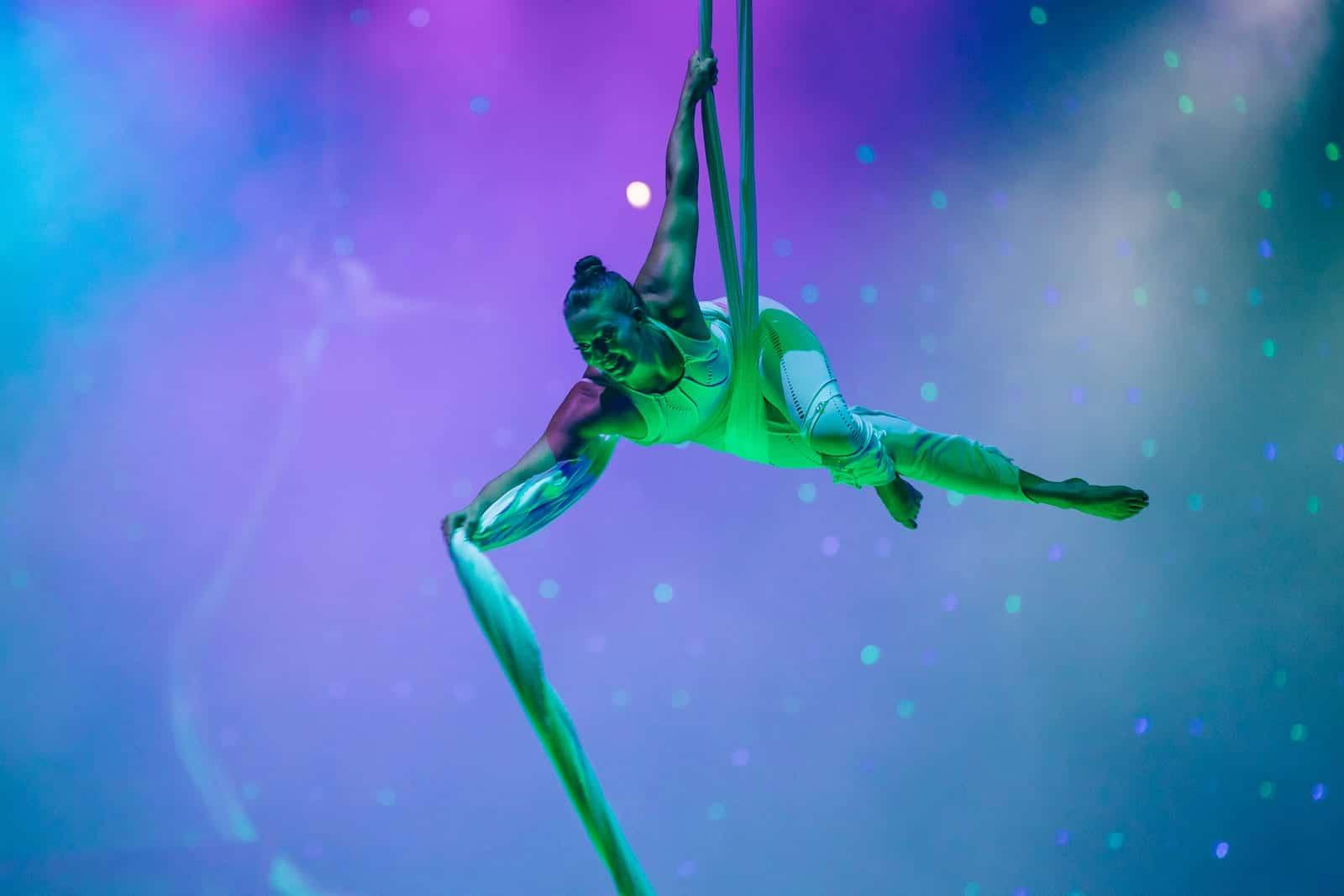 Julia flying lady creativiva trapeze