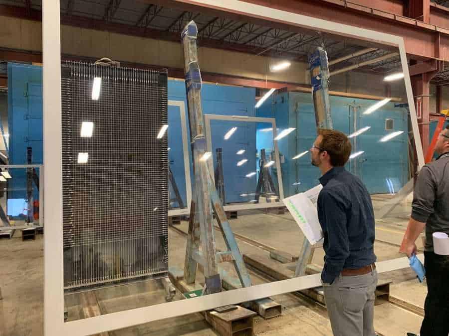St Louis Aquarium at Union Station checking distotion on acylic panels
