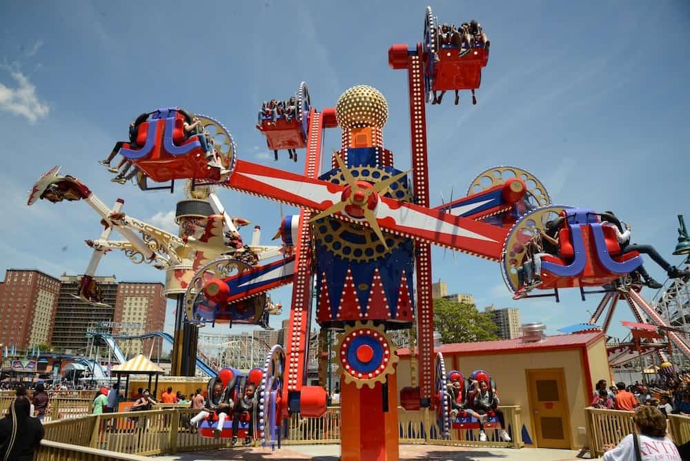 Zamperla-Nebulaz-ride-at-Coney-Island