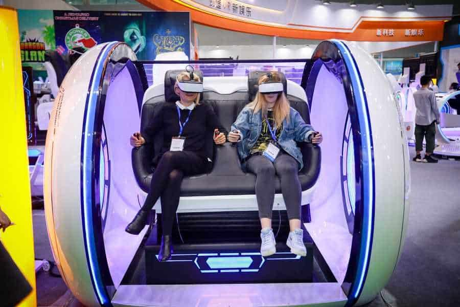 AAA 2019 Attendees on VR Machine