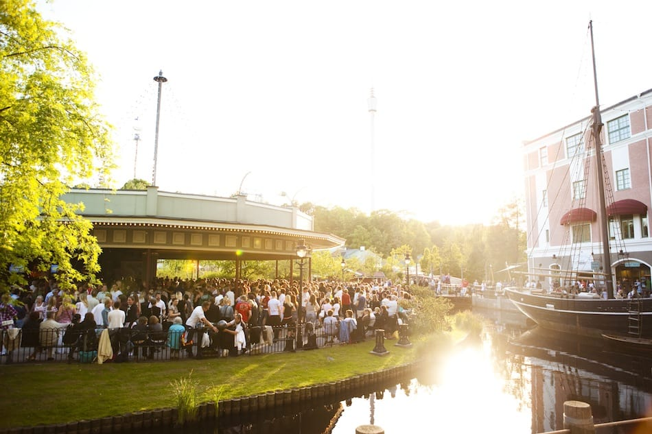 Guests enjoying a summer evening at Liseberg, where Andreas Andersen is the CEO