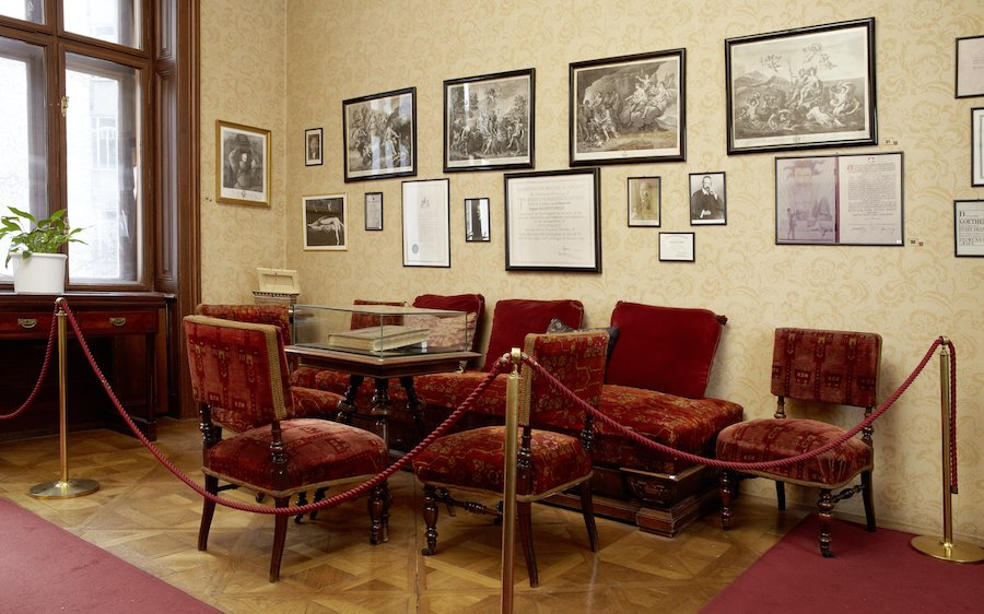 reconstruction of Freud's waiting room at the Sigmund Freud Museum in Vienna