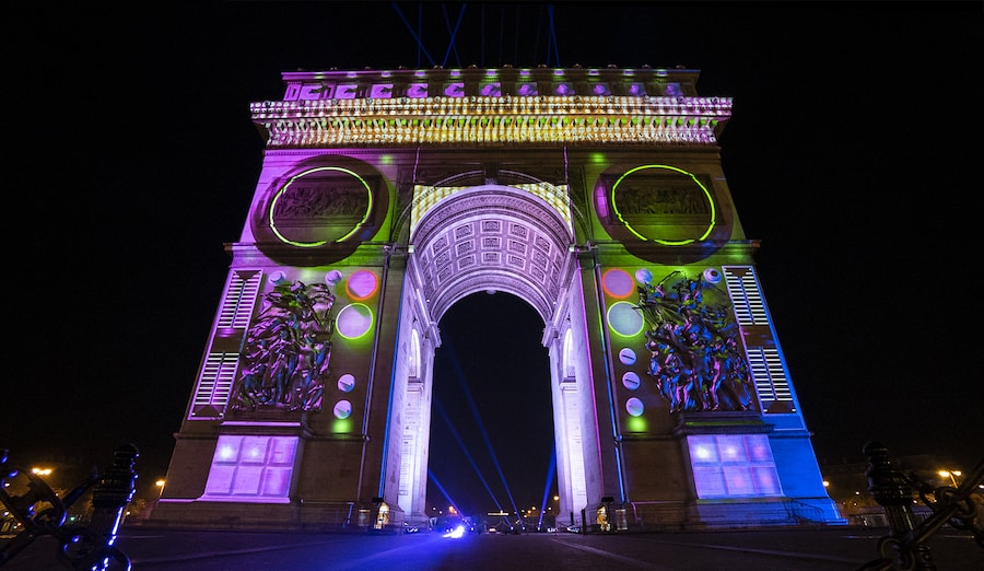 Arc de Triomphe projection mapping Barco