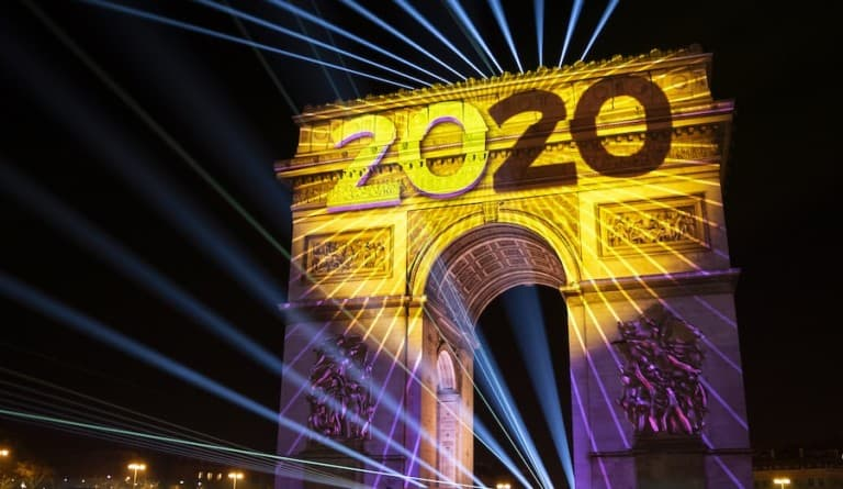 Barco helps light up the Arc de Triomphe at New YEer