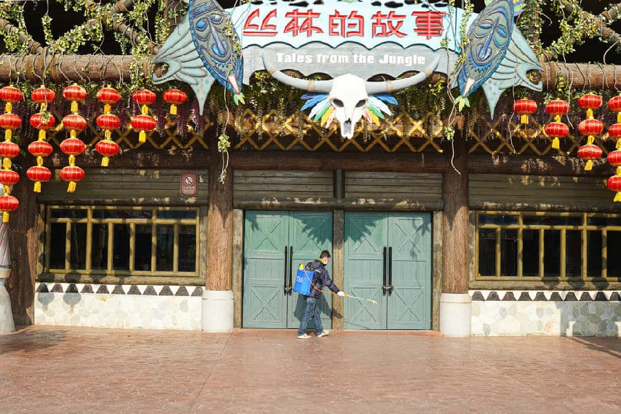 cleaning fantawild parks asian attractions attractions industry reopening after coronavirus