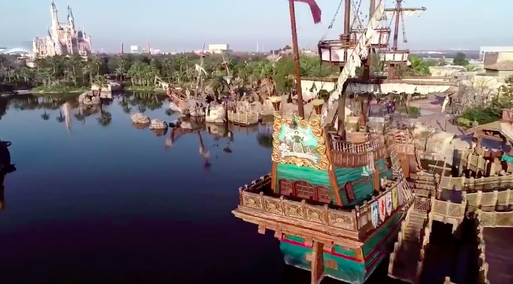 pirate ship shanghai disneyland quiet coronavirus trouble in the amusement park industry