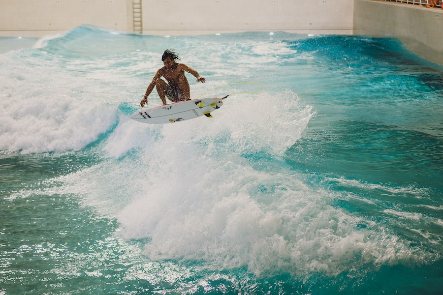 Rob Kelly enjoys new surfing technology at American Dream