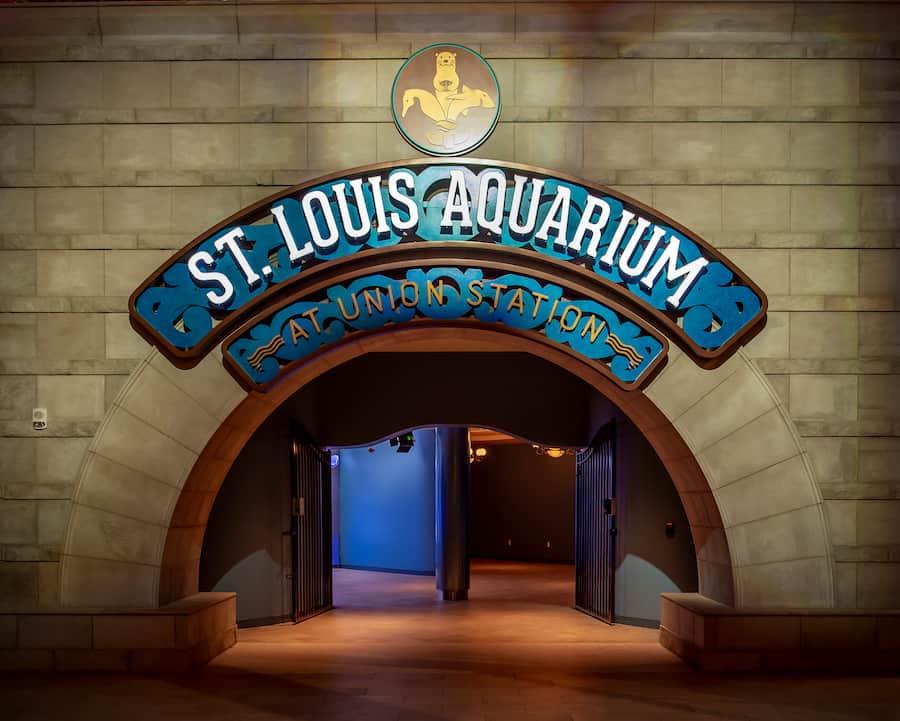 BLOOLOOP - How St. Louis Aquarium at Union Station is ...