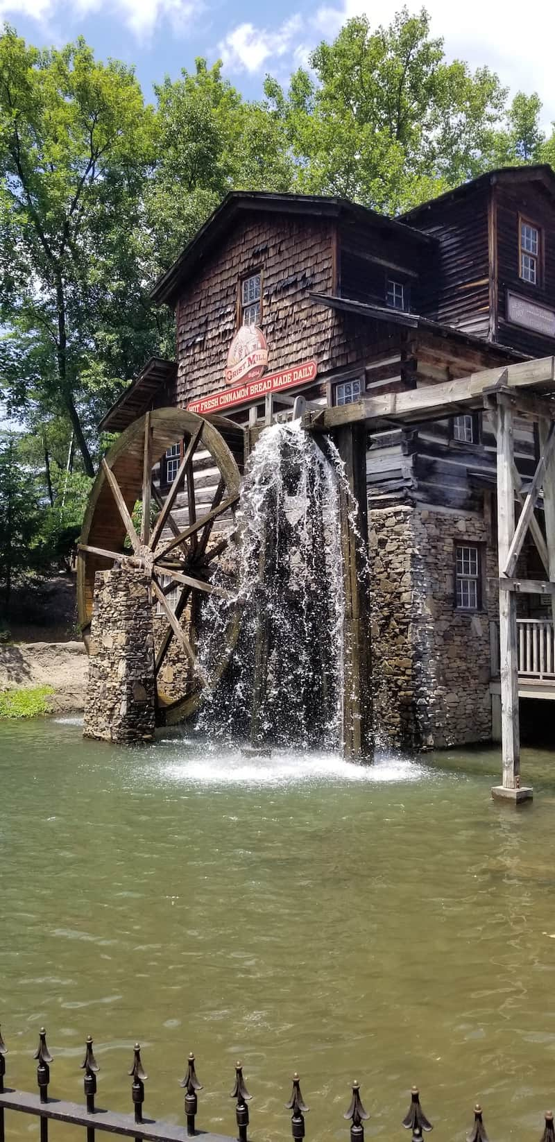 Dollywood after COVID 19 | visiting theme parks post pandemic