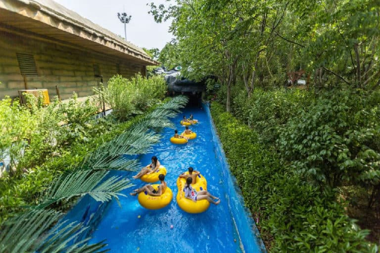 Lazy River Fantawild water park
