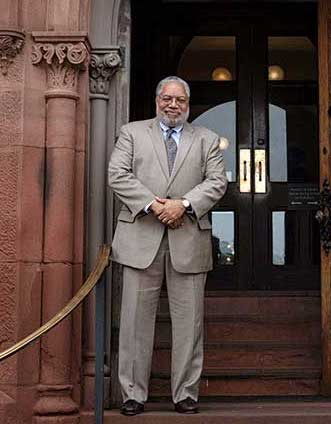 lonnie-bunch-smithsonian