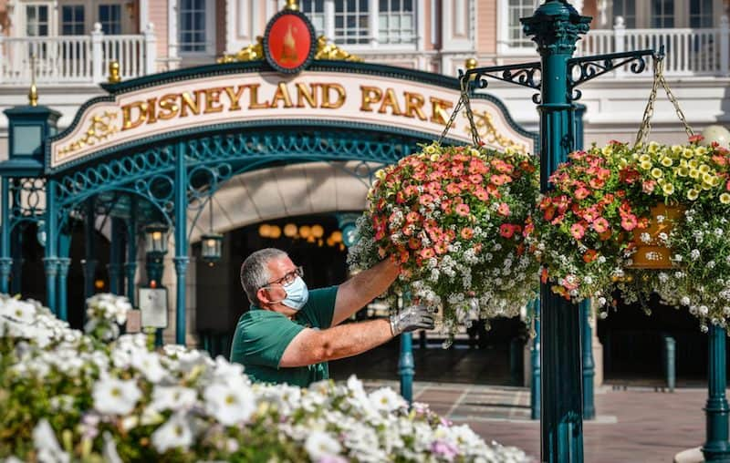 disneyland paris face mask attractions uncertainty futureproofing