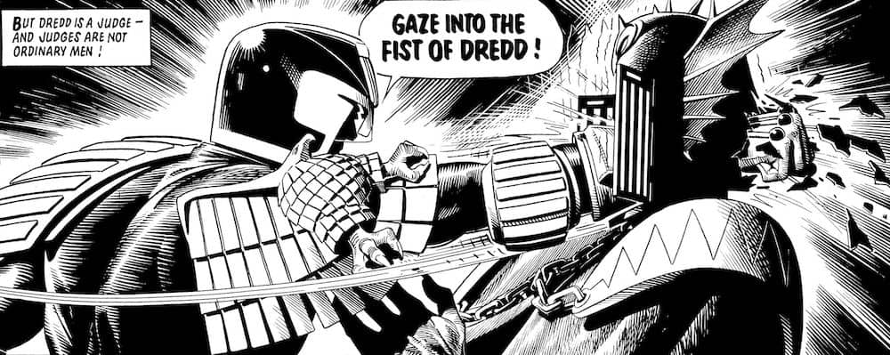 judge Dredd punches Judge fear, fist of dredd