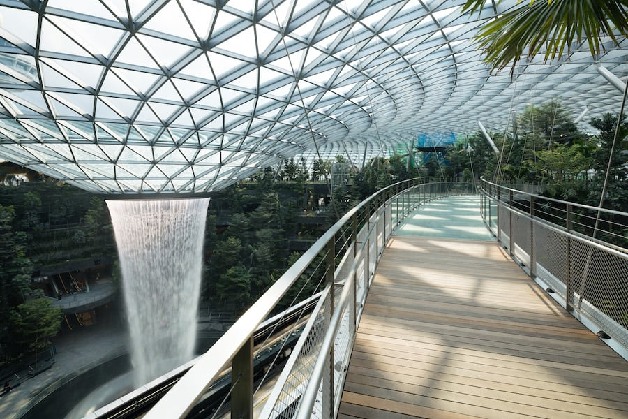 Canopy Bridge Jewel Changi Airport attractions trends 2021