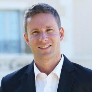 Nicolas de Villiers headshot blooloop theme park influencer 2020