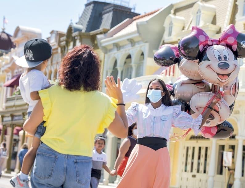 Disneyland Paris cast member waves