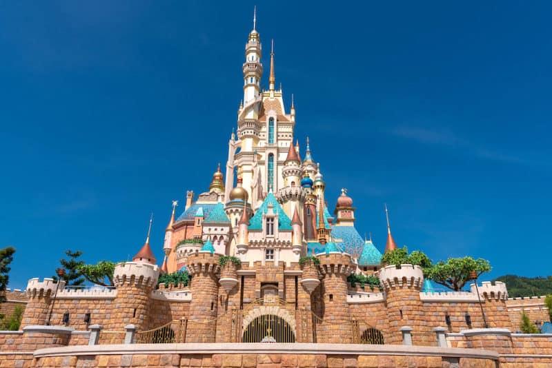 hong kong disneyland castle of magical dreams