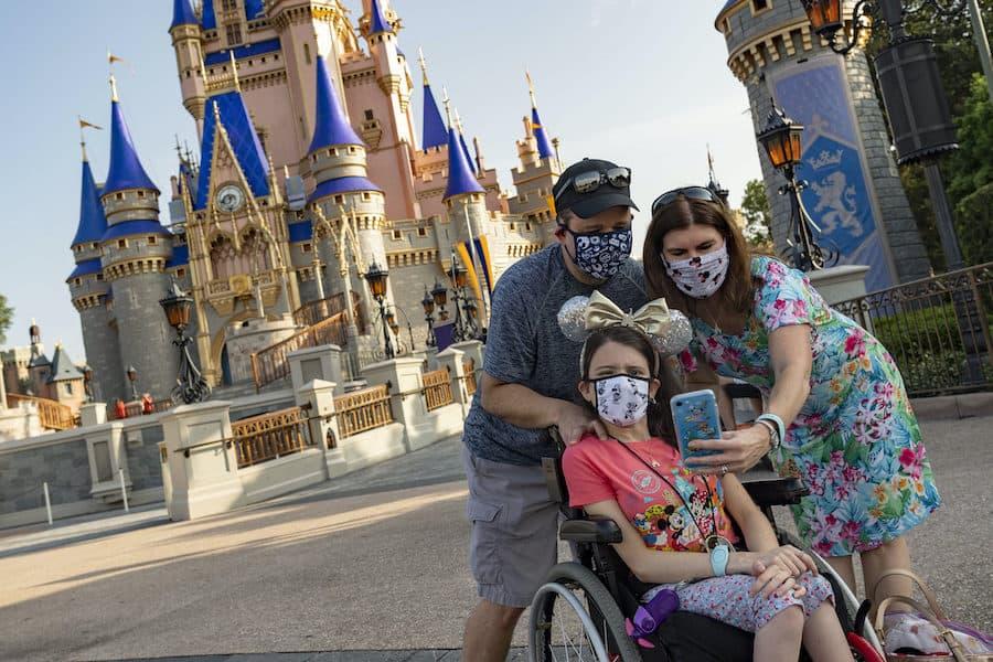 guests in masks at Magic Kingdom, Disneyworld 2020, pre COVID vaccinations rollout